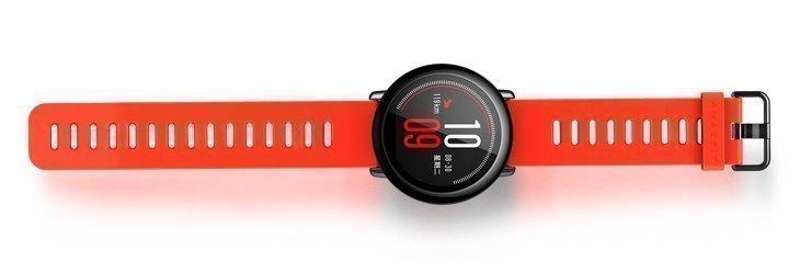 Часы отличаются лаконичным и, в то же время, привлекательным дизайном.